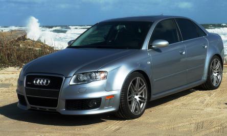Audi RS4 (B7).png